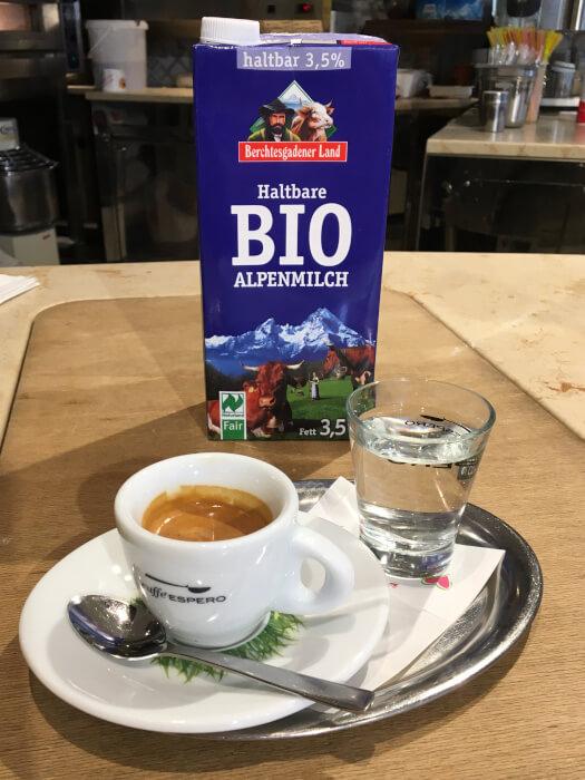 Espresso Macchiato im Eiscafe Santin Königstraße 1